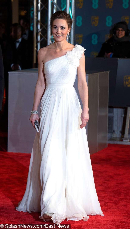 Księżna Kate w białej sukni Alexander McQueen na BAFTA 2019