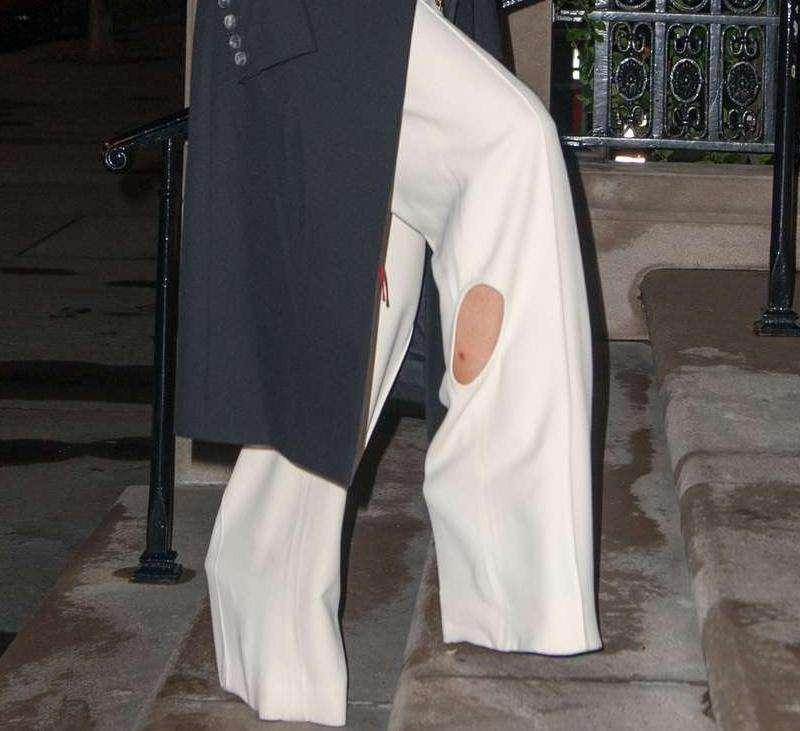 Victoria Beckham – dziura w spodniach