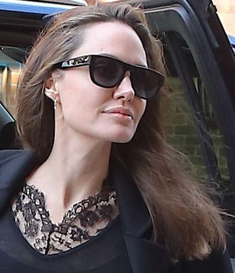 Angelina Jolie z siwymi włosami w Nowym Jorku