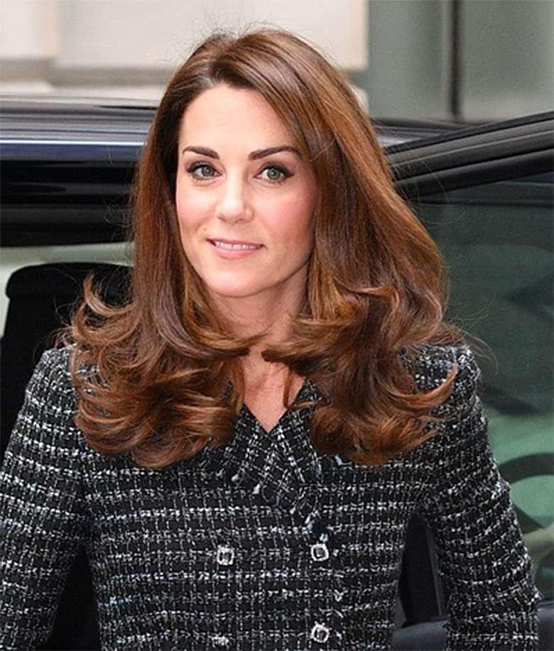 Stylizacja księżnej Kate na konferencji zdrowia psychicznego w edukacji