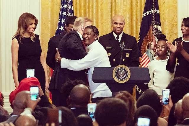 Melania Trump w małej czarnej podczas krajowego miesiąca African American History