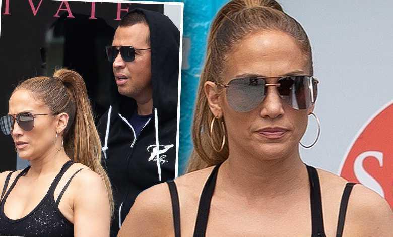 Jennifer Lopez w sportowym staniku wychodzi z siłowni z A. Rodem