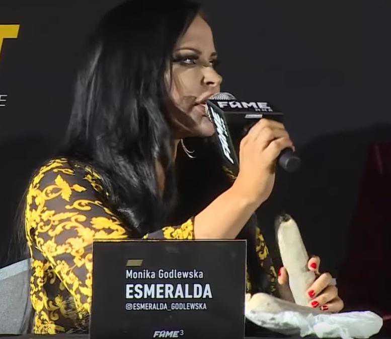 Esmeralda Godlewska z kaszanką