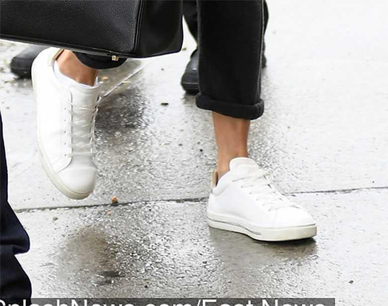 Zdjęcie (5) J.Lo nawet w dresie wygląda jak królowa wybiegu. Płaszczyk zabójczy, ale to torebka jest prawdziwym hitem!