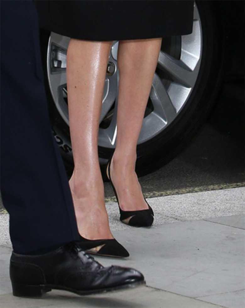 Zdjęcie (5) Załamani Meghan Markle i książę Harry złożyli niezapowiedzianą wizytę w ambasadzie Nowej Zelandii