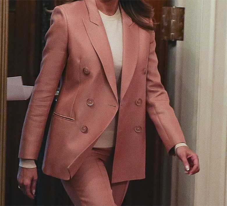 Melania Trump w pudrowym garniturze