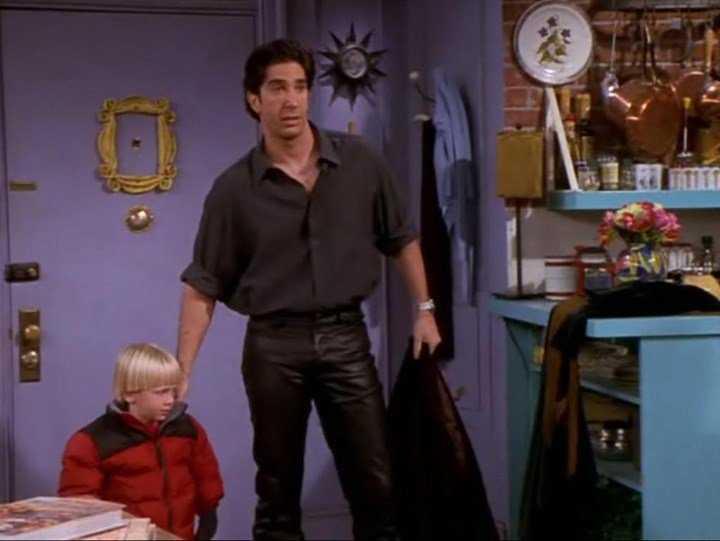 Ross w serialu Przyjaciele w skórzanych spodniach