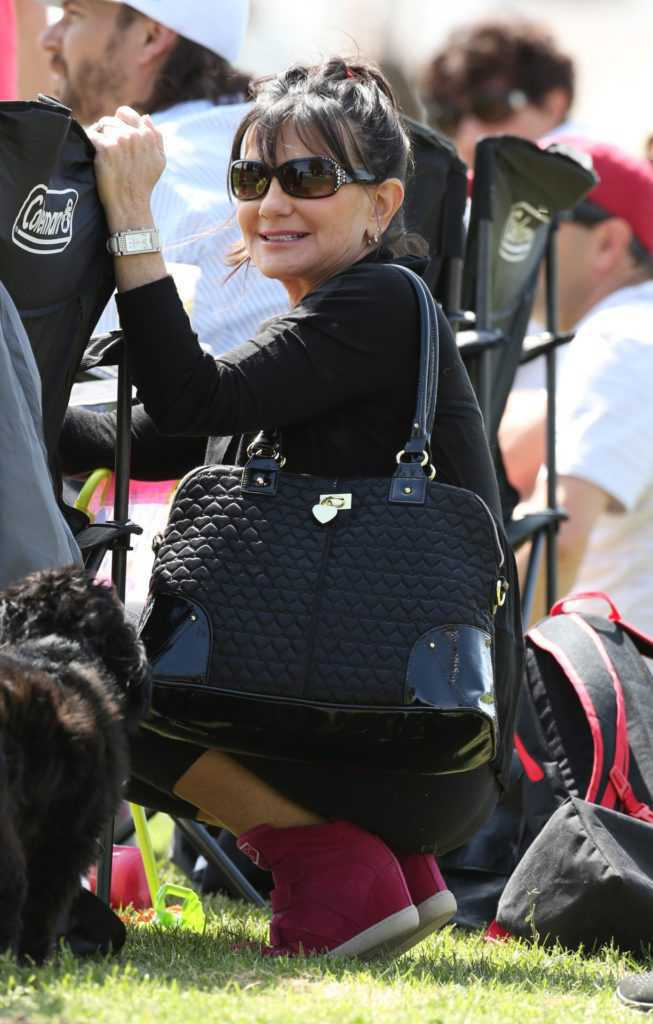 KEVIN FEDERLINE TAKES THE KIDS TO THERE SOCCER GAME AND BRITNEYS PARENTS WERE ALSO THERE TO WATCH THE KIDS PLAY