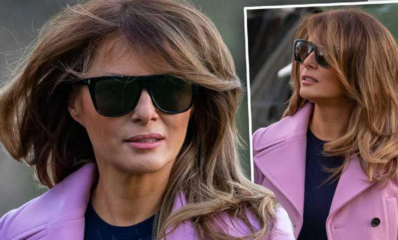 Melania Trump w stylowej marynarce wysiada z samolotu