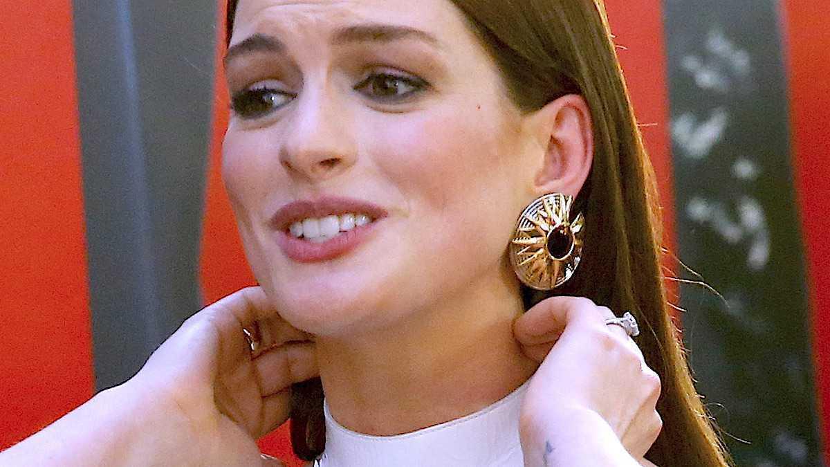 Anne Hathaway – wpadka z retuszem