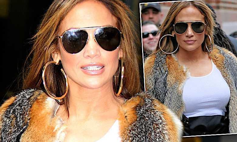 Jennifer Lopez stylizacja wysokie szpilki