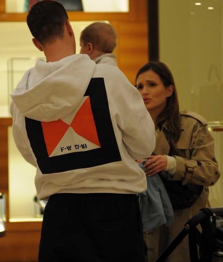 gdy Marina Łuczenko oglądała torebki Louis Vuitton, synem zajmował się Wojciech Szczęsny