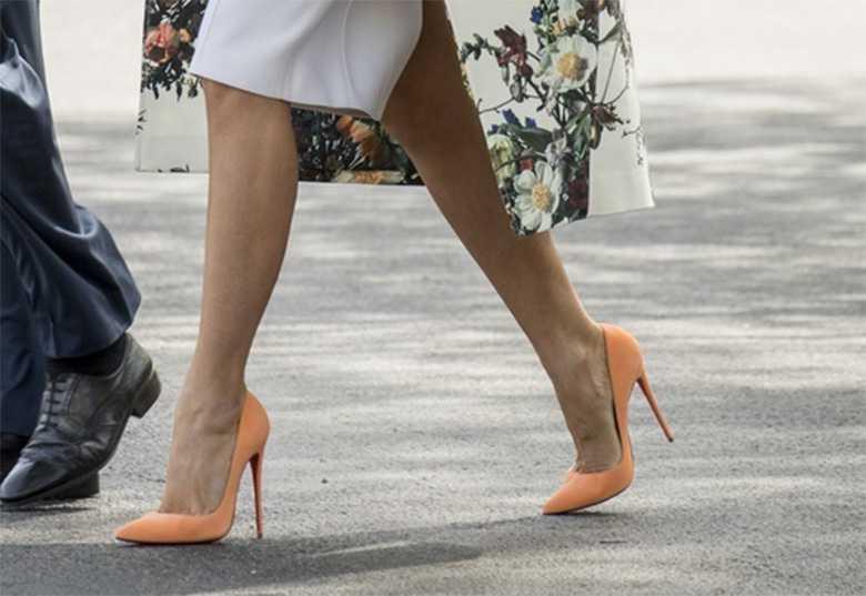 Zdjęcie (4) Melania Trump wreszcie przytyła? Luksusowa obcisła biała sukienka nie ukryła niczego