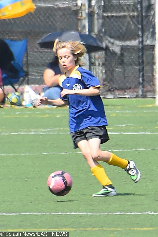 Shiloh Jolie-Pitt uwielbia grać w piłkę nożną