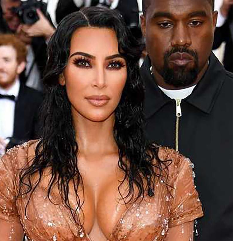 Kim Kardashian - efekt mokrych włosów