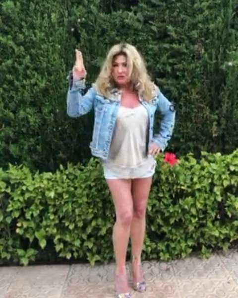 Beata Kozidrak pokazała zgrabne nogi