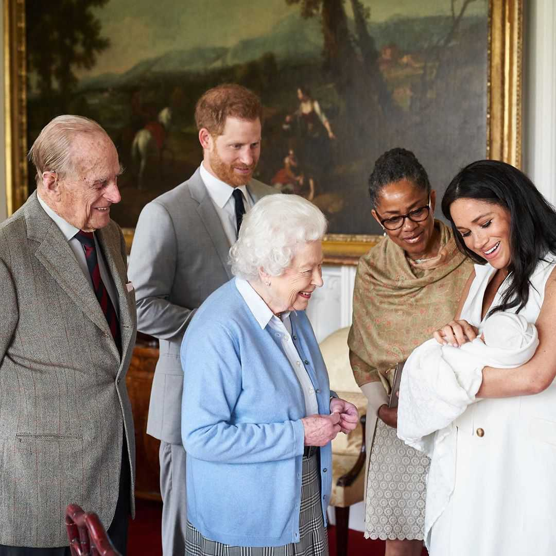 Królowa Elżbieta II na spotkaniu z Archie Harrisonem, synem Harry'ego i Meghan