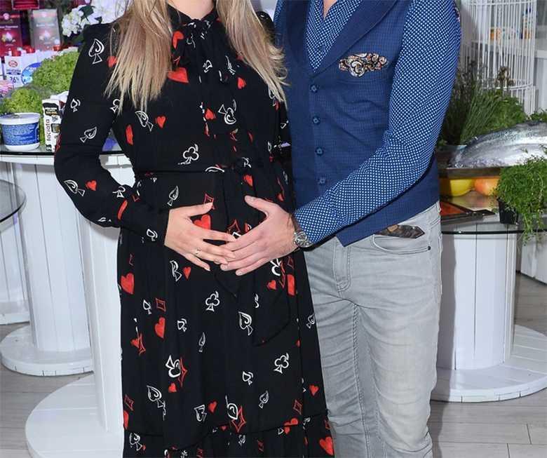 Zdjęcie (2) Baby boom nadal trwa. Była gwiazda TVP jest w ciąży!