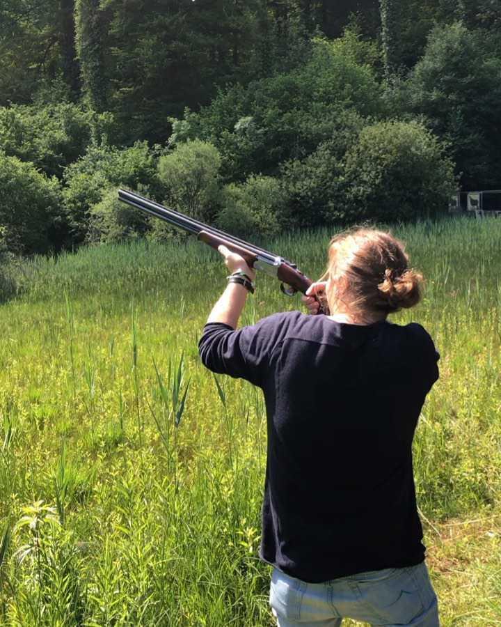 Piotr Woźniak-Starak strzela do kaczek w Szwajcarii