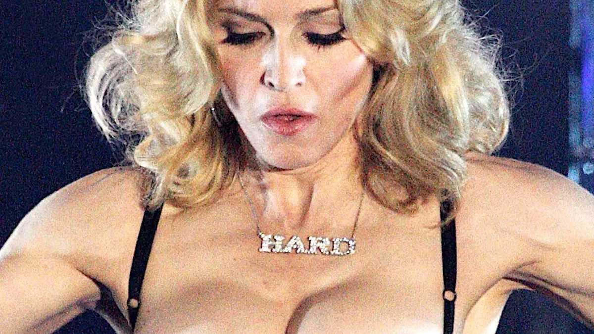 Madonna piersi