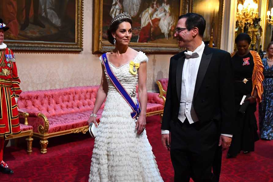 Księżna Kate na bankiecie w pałacu Buckingham