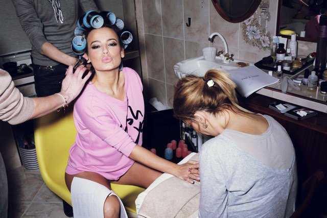 Anna Mucha w majtkach robi się na bóstwo w salonie piękności