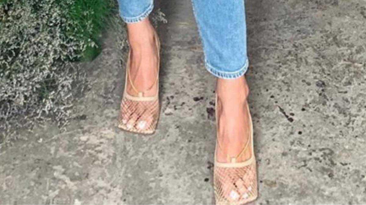 Marina pokazała swoje haluksy w modnych sandałach