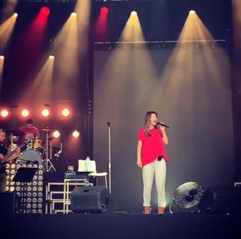 Edyta Górniak w piżamie na próbach przed koncertem - Instagram