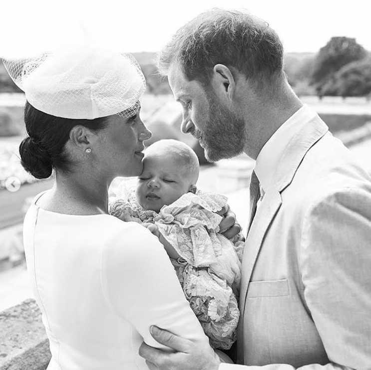 Zdjęcie (4) Wydało się, kto jest matką chrzestną Archiego Harrisona! Dla wielu będzie to spore zaskoczenie