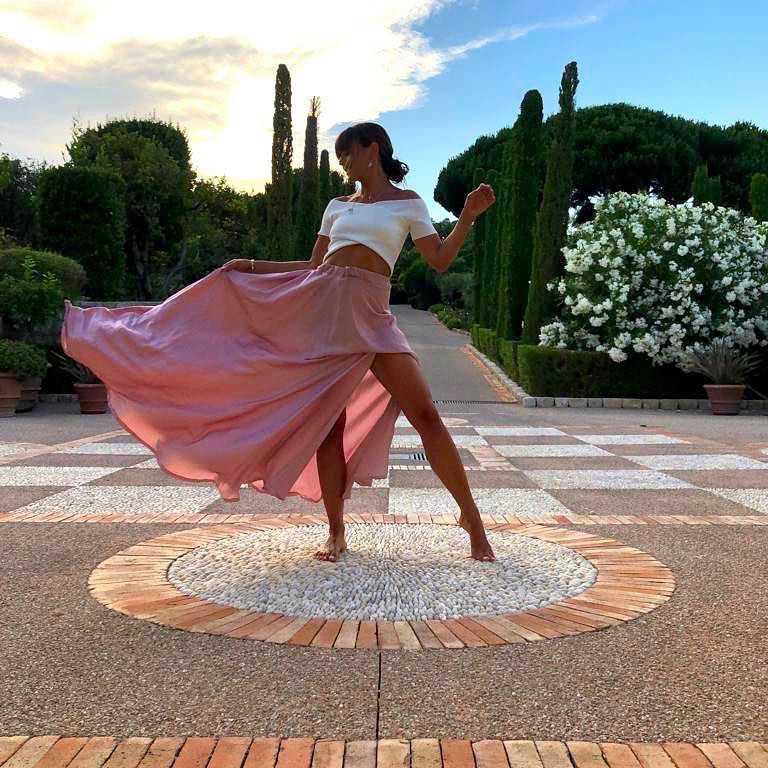 Ania Lewandowska pokazała nogi