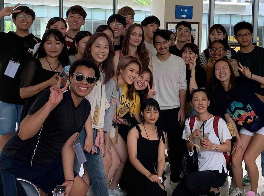 Angelina Jolie odwiedziła Uniwersytet Yonsei