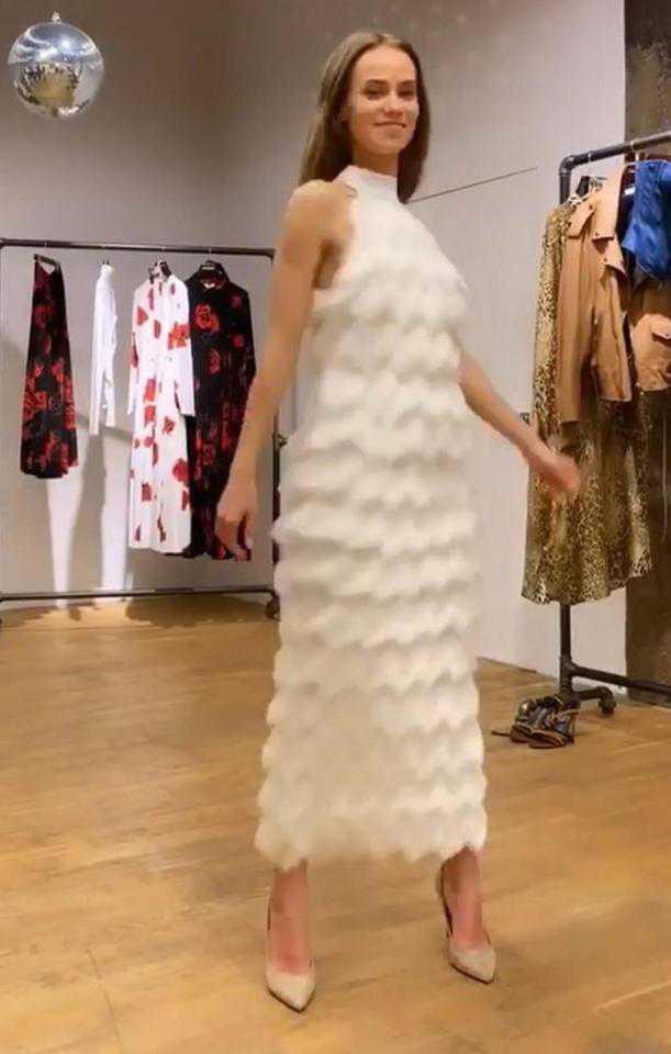 Katerina Kowalczuk w białej sukience