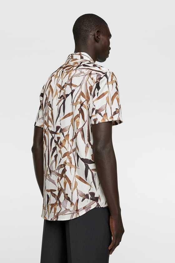 Afera przez zwyczajną męską koszulę z bambusem z Zary!