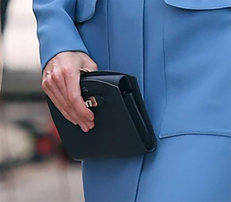Księżna Kate - czarna kopertówka, chrzest statku polarnego