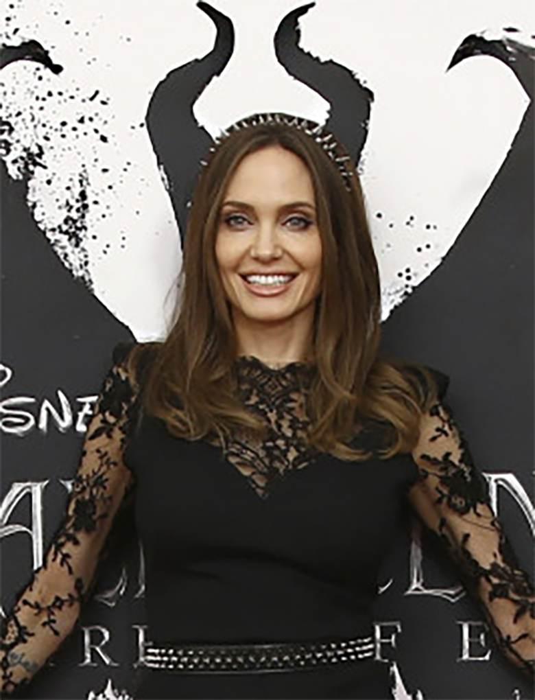 Angelina Jolie w Londynie postawiła na wieczorowy makijaż