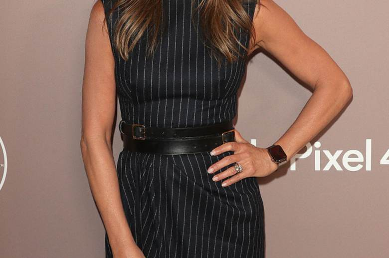 Jennifer Aniston - talia i pasek