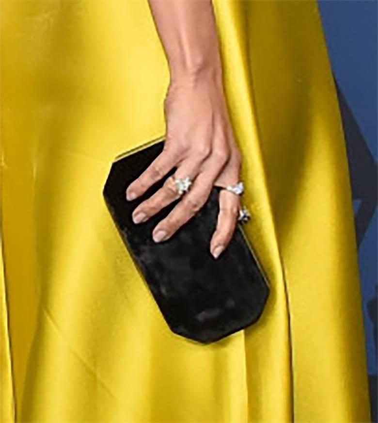 Jennifer Lopez - torebka, gala Governors Awards