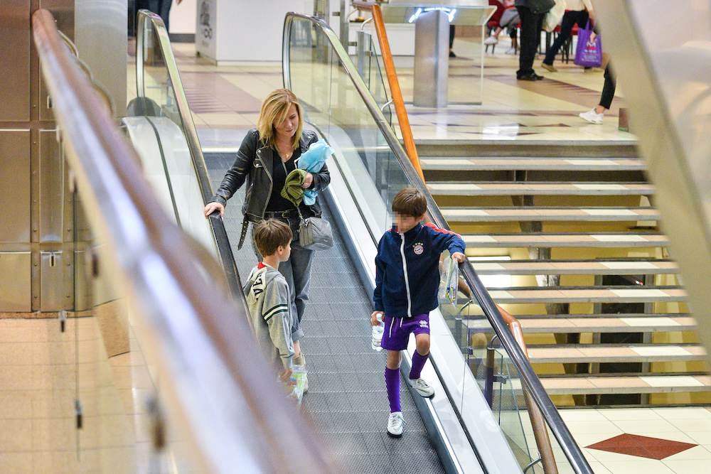 Aneta Zając z dziećmi na zakupach