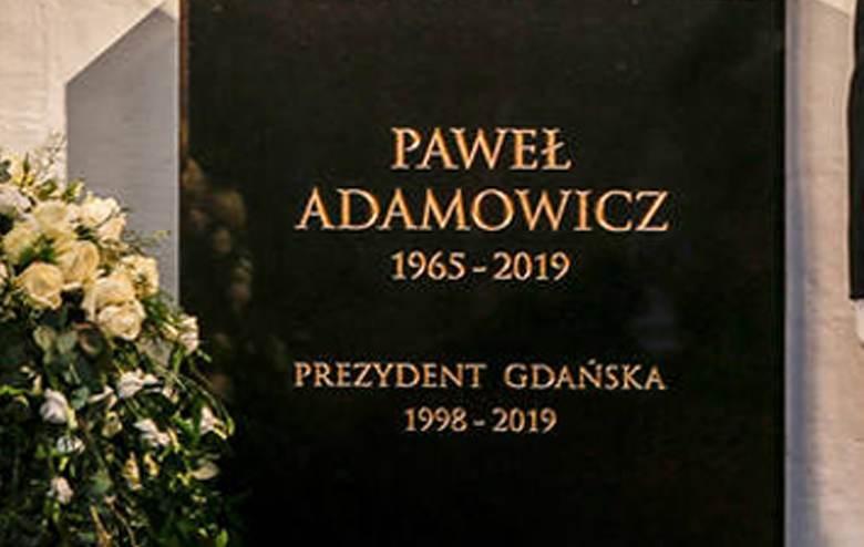 Paweł Adamowicz - jest pochowany w Bazylice Mariackiej w Gdańsku