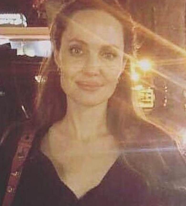 Angelina Jolie bez makijażu na wakacjach. Zdjęcie zrobione przez fankę