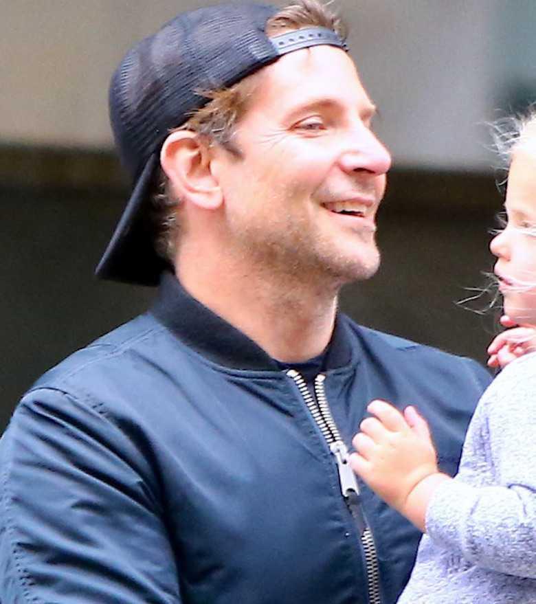 Bradley Cooper zgolił wąsy i brodę