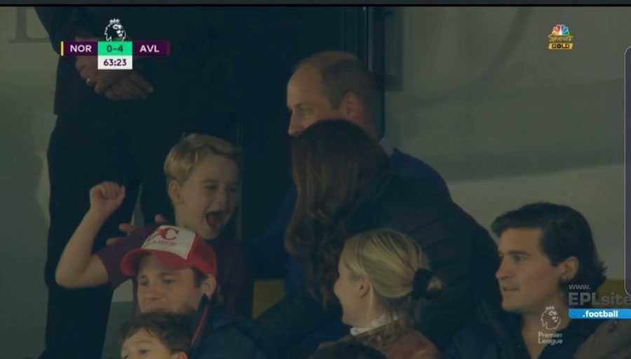 Książę William i księżna Kate z dziećmi na meczu Aston Villa