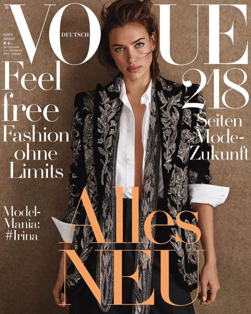 Irina Shayk w marynarce Balmain na okładce Vogue'a