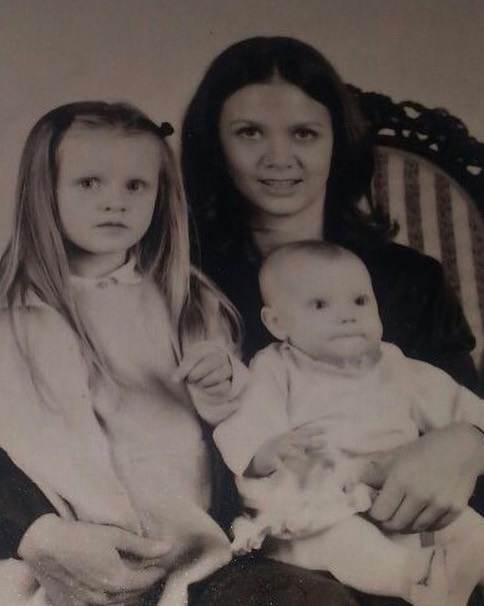 Kinga Rusin z córkami. Archiwalne zdjęcie gwiazdy