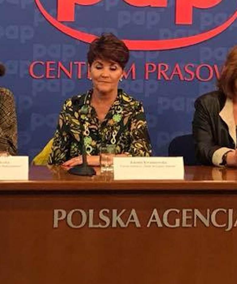 Zdjęcie (5) Niecenzuralne słowa w ustach Jolanty Kwaśniewskiej. Puściły jej nerwy w programie Moniki Olejnik