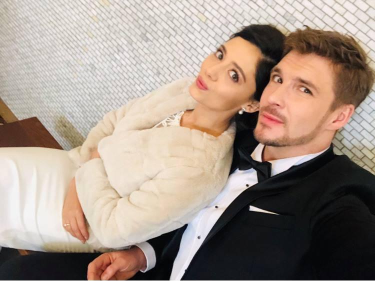 Adriana Kalska i Mikołaj Roznerski - drugie zdjęcie ślubne
