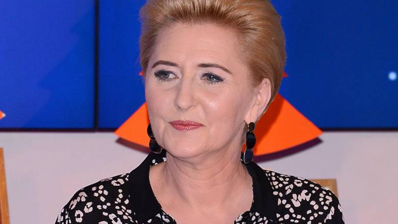 Agata Duda - makijaż i kolczyki