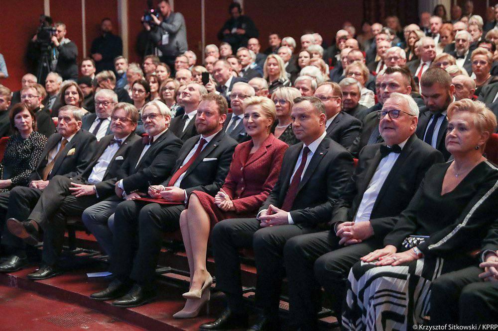 Agata Duda i Andrzej Duda wzięli udział w gali jubileuszu 30-lecia odrodzonego samorządu lekarskiego