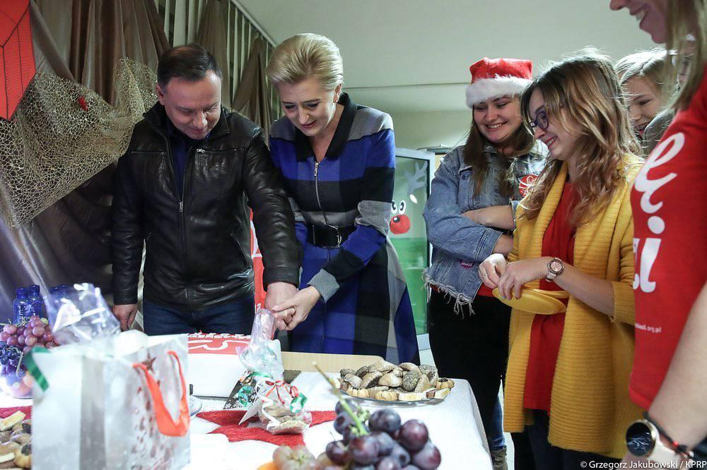 Agata Duda i Andrzej Duda wspierają Szlachetną Paczkę