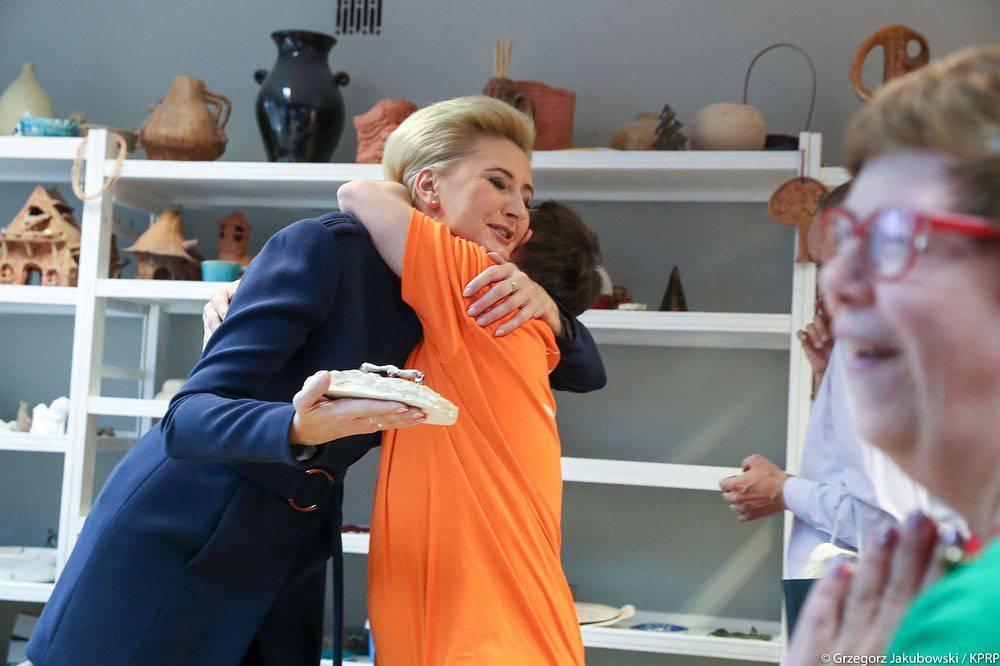 Agata Duda na zbiórce żywności